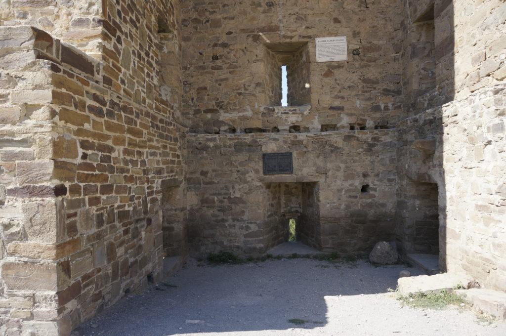 Башня трехэтажная. Судакская крепость.