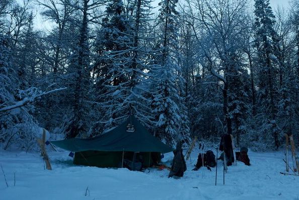 Ночевка в палатке с обогревом (небольшая буржуйка)