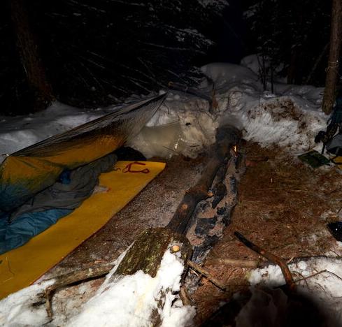 Ночевка у большой нодьи (без палатки)